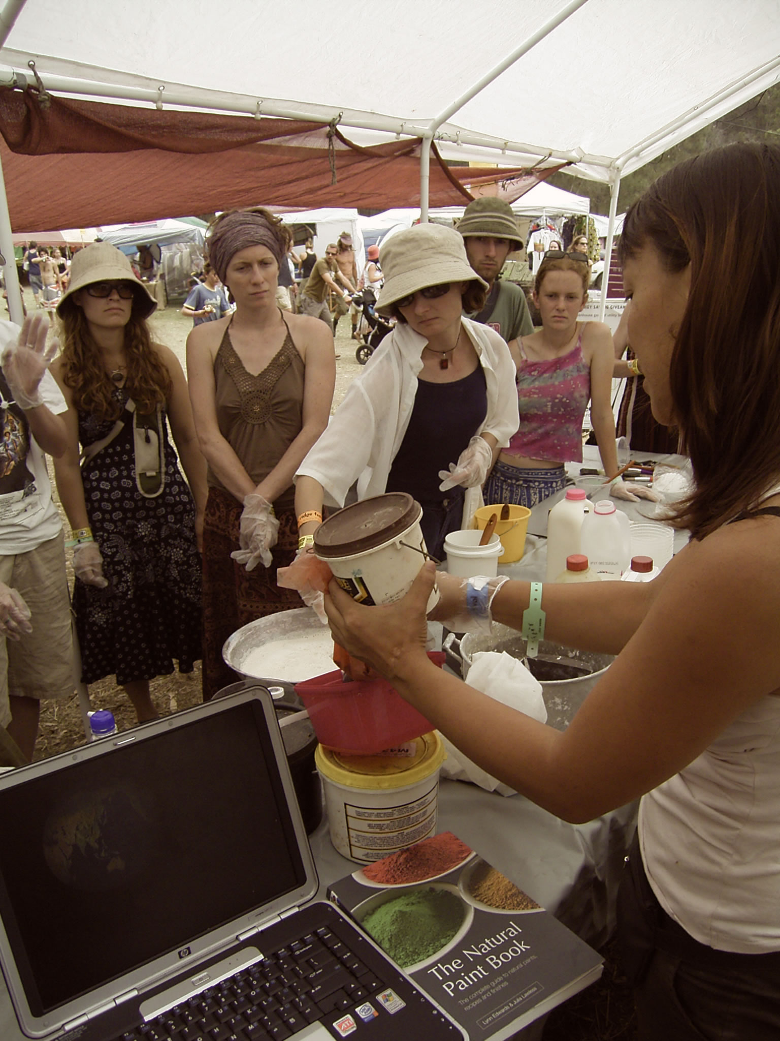 natural paint sustainable living eco lifestyle green event sustaninable event eco chic